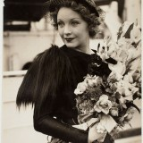 Helen Twelvetrees arrives from Hollywood to make the film The Thoroughbred in Sydney December 1935