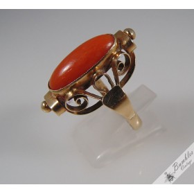 Beautiful Vintage Natural Coral Cabochon 14k Solid Gold Cocktail Ring c1920