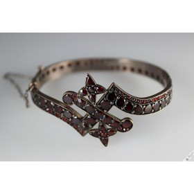 Antique Victorian Bohemian Garnet Table Top & Rose Cut Bangle Bracelet c1900s