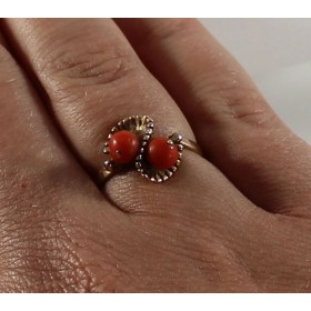 Unique Vintage 14k Gold Natural Coral Ring