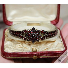 Antique Bohemian Garnet Bracelet Tombak with Star Cluster Feature