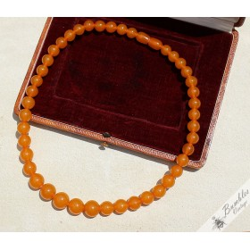 Art Deco Natural Baltic Amber Butterscotch Egg Yolk Round Bead Necklace