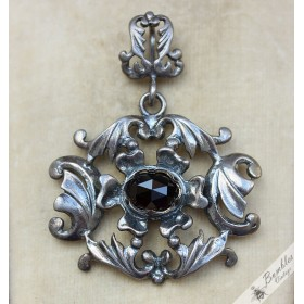 Unique Vintage Art Deco 835 Silver Garnet Ornate Pendant