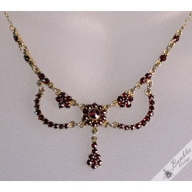 Vintage Bohemian Garnet Garland Drop Necklace Czechoslovakia