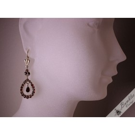 Stunning Vintage Bohemian Garnet Czechoslovakian Dangle Drop Statement Earrings Rose Cut