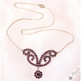 Vintage Art Nouveau Design Bohemian Garnet Necklace