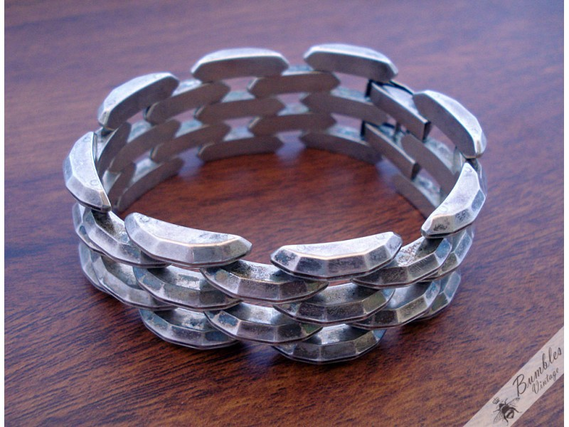 Vintage Silver Wide Hinged Panther Link Faceted Bar Chain ...