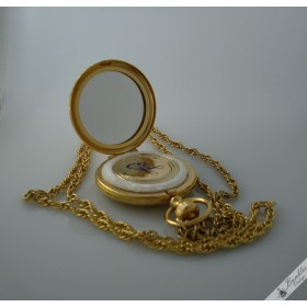 Vintage Estee Lauder Etched Gold Pocket Watch Mirror Powder Compact Necklace Pendant in Box