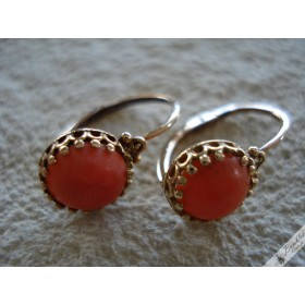 Vintage Cabochon Genuine Natural Red Coral Solid 14k Gold Solitaire Crown Lever Earrings