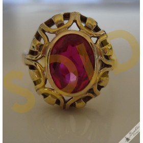 14K Yellow Gold Cutout Design with Oval Faceted Ruby Solitaire Vintage Ring Czech