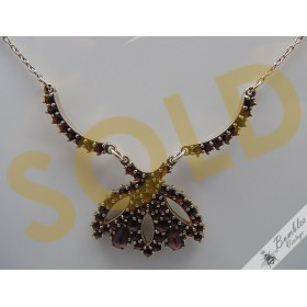Beautiful Vintage Bohemian Garnet Necklace in the Shape of a Flower