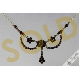 c1960s Vintage Bohemian Rose Cut Garnet Garland Lavalier Necklace