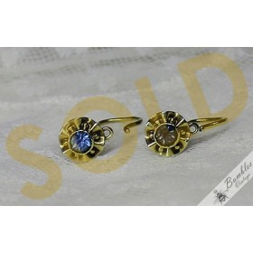 c1950s 14k Gold Petite Children's Vintage Floral Lever Earrings